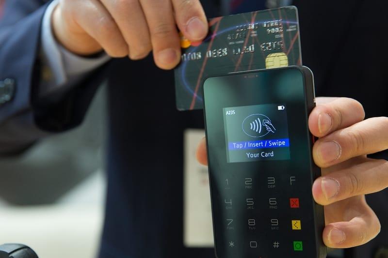 Cartão de credito com nome no banco de Portugal