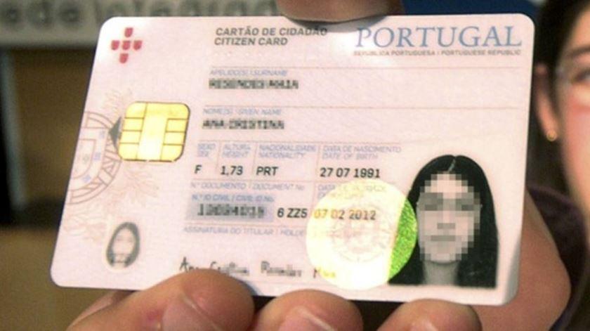 Riscar cópia do cartão de cidadão: Como fazer para inutilizar?