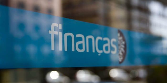 Dívidas às Finanças