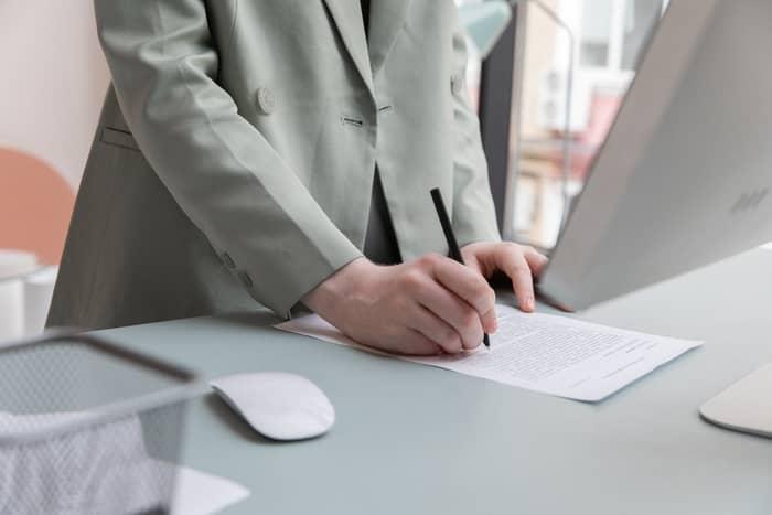 O que é um contrato de trabalho por tempo indeterminado